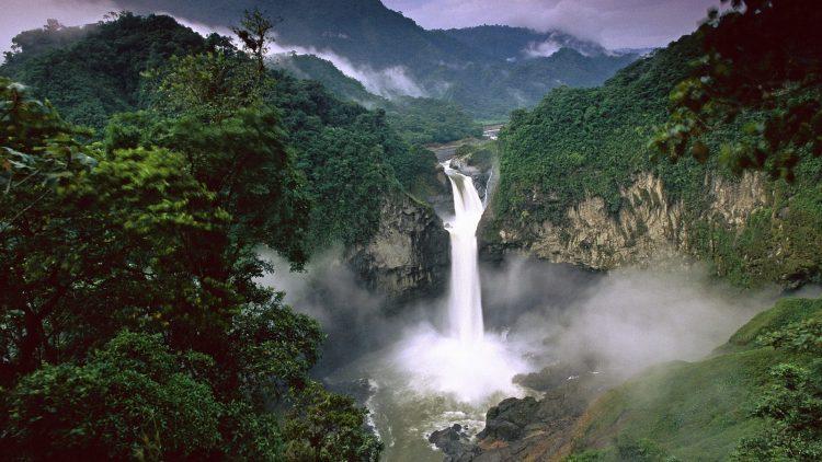 Il popolo delle cascate sacre